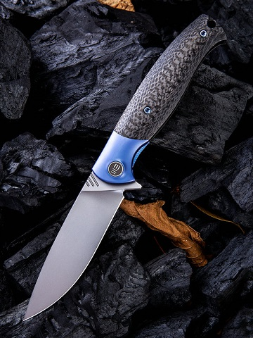 WE Knife 901B Deacon M390 Carbon Fiber Blue Ti